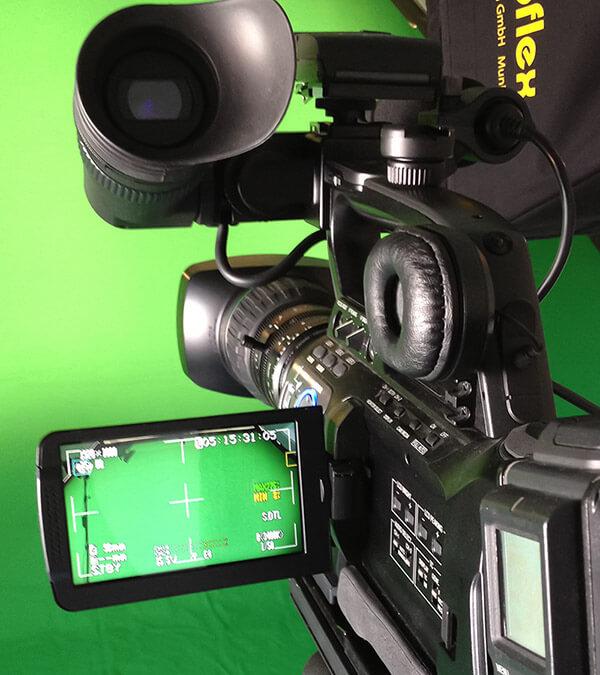 Die JVC XDCAM Kamera im Einsatz vor Greenscreen